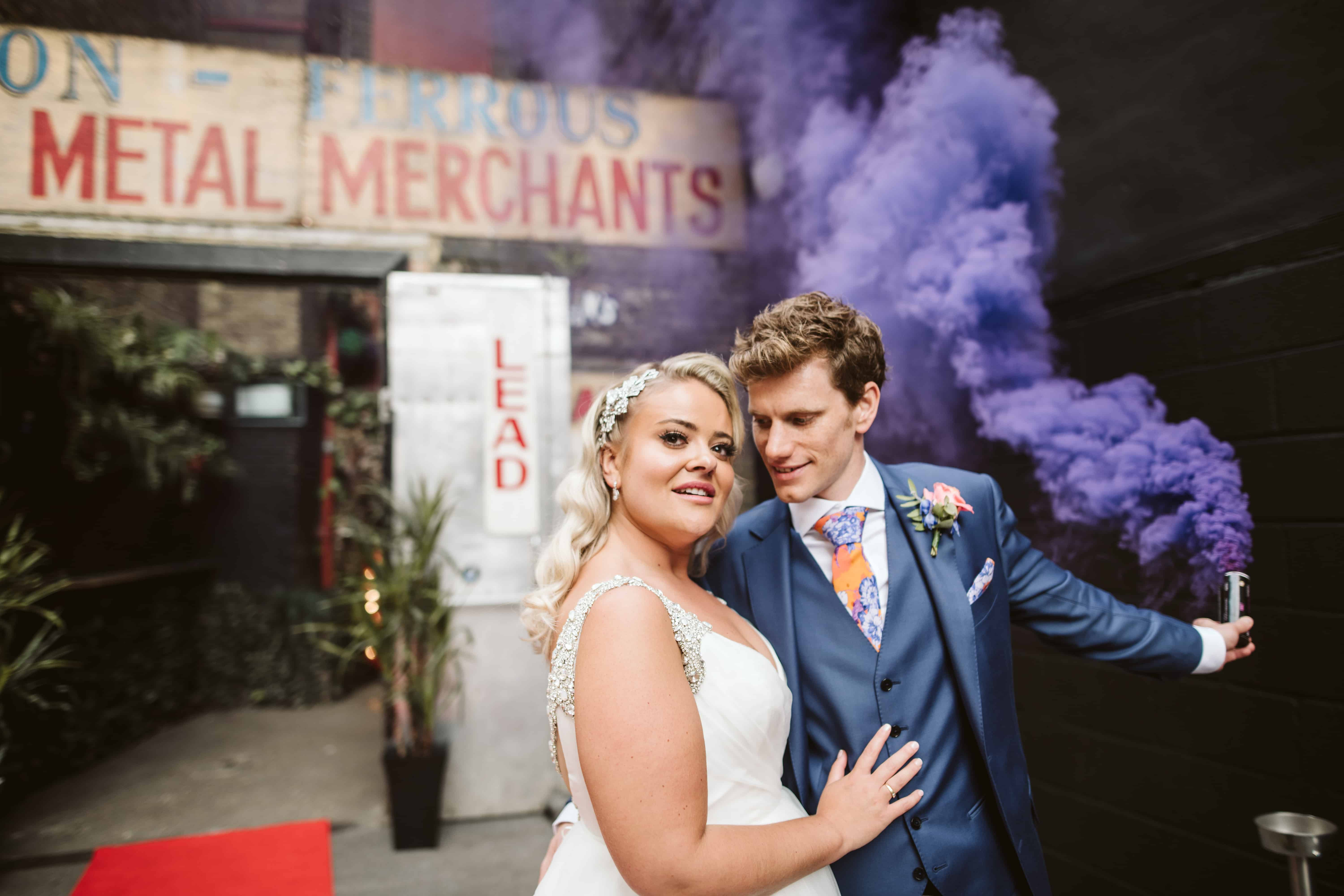 how to use smoke bombs in your wedding photography